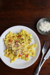 Saffron and artichoke pasta